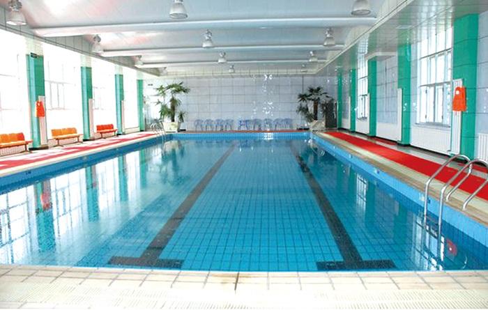 游泳池太阳能热水加温案例